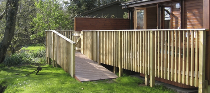 Access from the lodge to the lake is easy in Chiffchaff Lodge