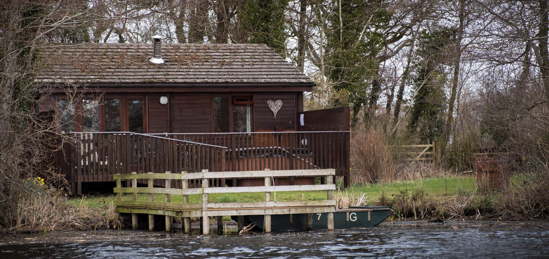 Chiffchaff Lodge - Sleeps 2 The Tranquil Otter