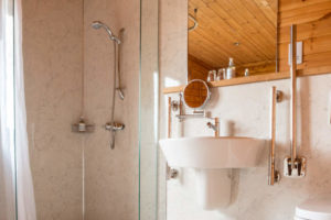 Dunnock-Bathroom_3_slider