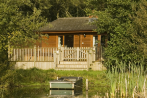Fieldfare_Lakeside_Lodge1