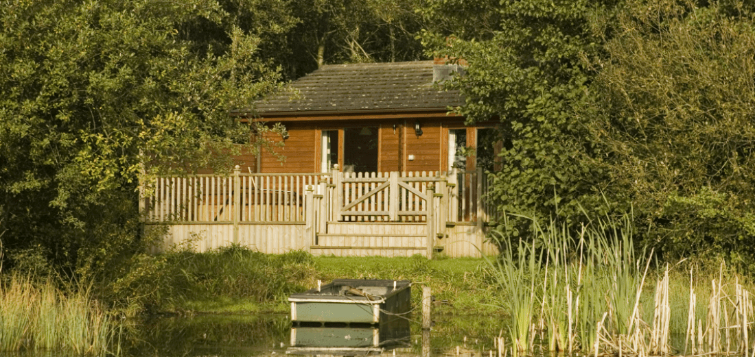 Fieldfare Lodge - Sleeps 2 The Tranquil Otter