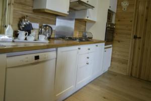 Kitchen1_Chiffchaff_lodge1