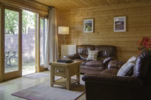 Lounge_Lakeview_Gadwall_Lodge1