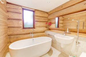 Alder Lodge Bathroom 2020